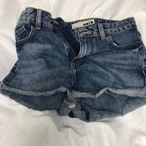 TopShop Shorts W26